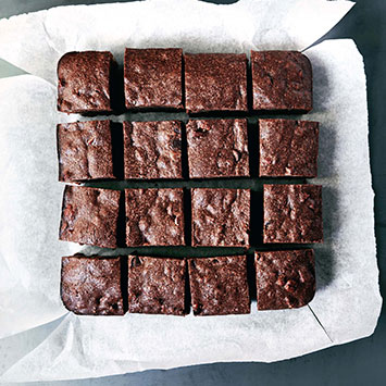 One-Pot Chocolate Pecan Brownies