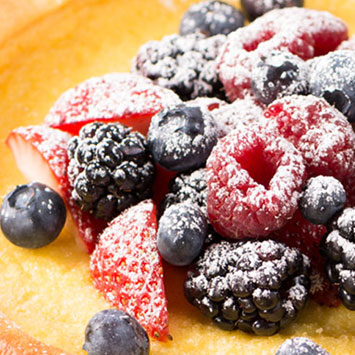Dutch Baby Pancakes with Fresh Berries